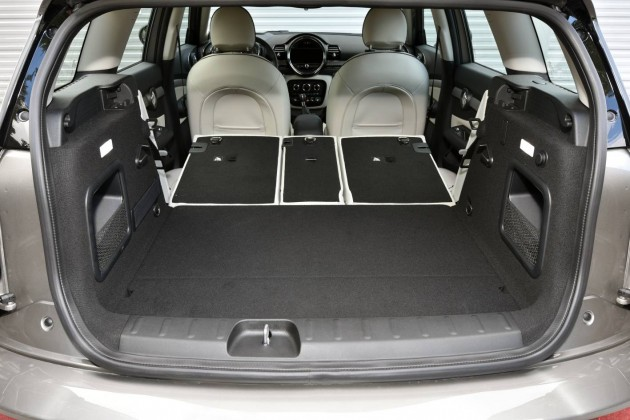 2016 MINI Clubman-cargo area