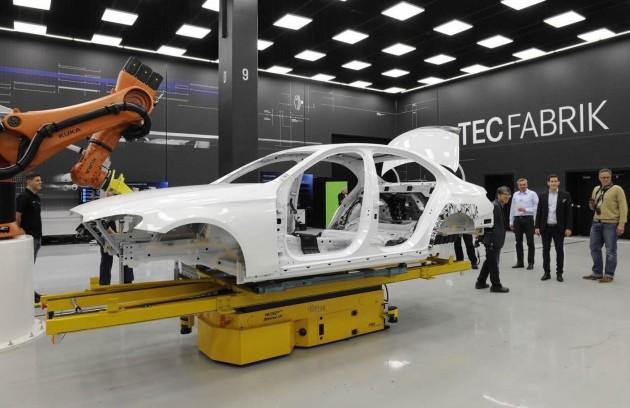 2016 Mercedes-Benz E-Class body-front