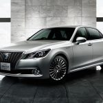 2016 Toyota Crown revealed, gets new 2.0L turbo