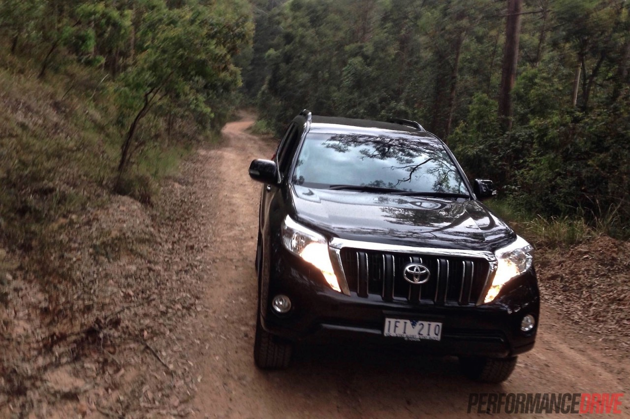 2016 Toyota LandCruiser Prado 2.8 review (video ...