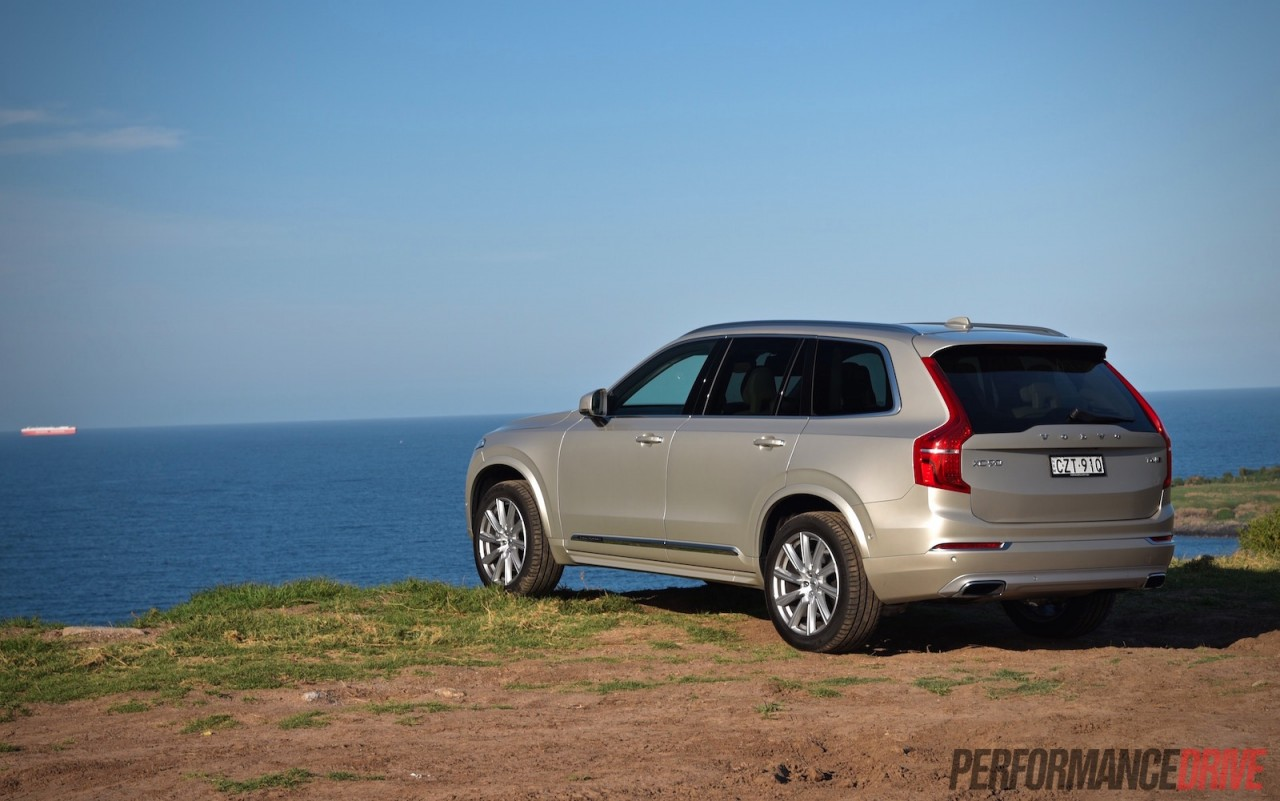 2016 Volvo XC90 T6 Inscription review (video) | PerformanceDrive