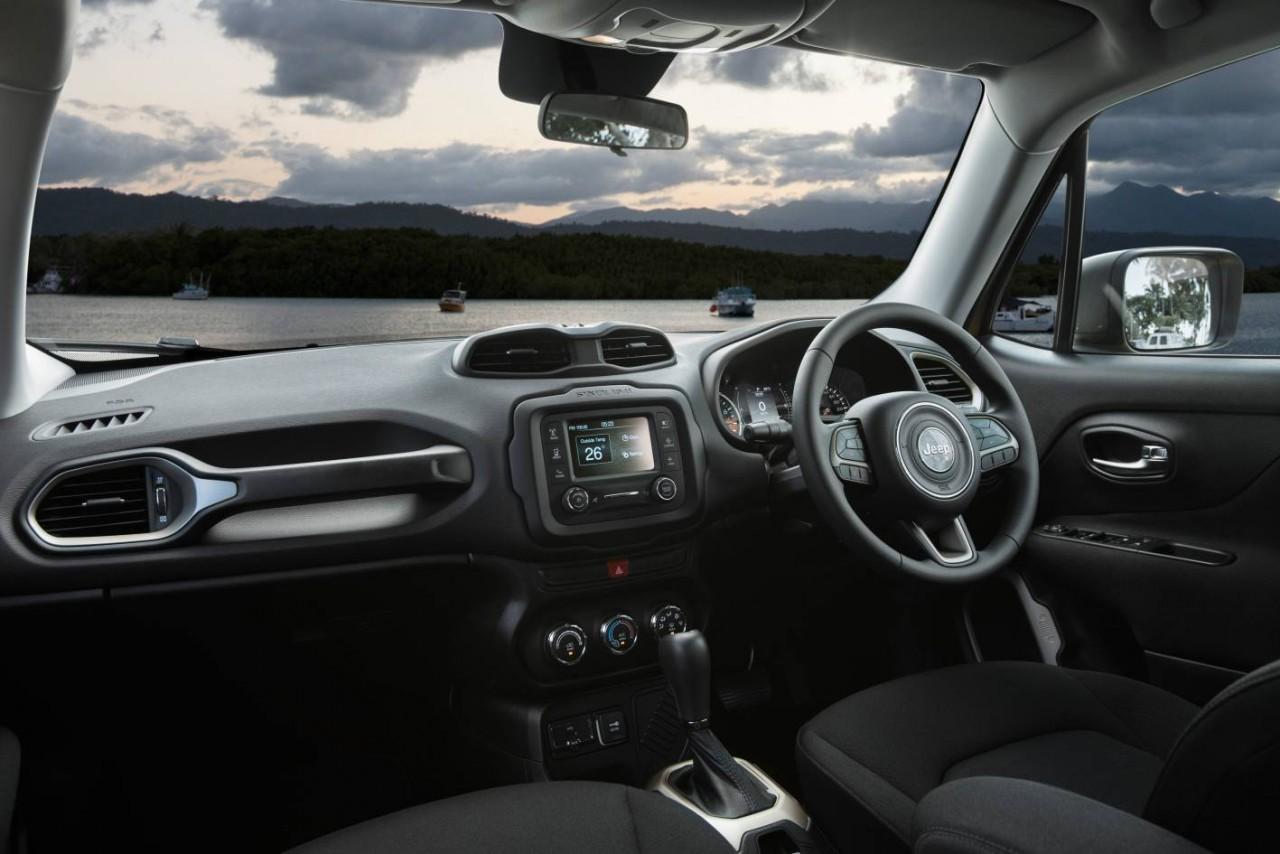 2015 jeep renegade trailhawk interior car interior design. Black Bedroom Furniture Sets. Home Design Ideas