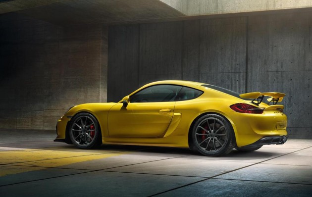 Porsche Cayman GT4-yellow