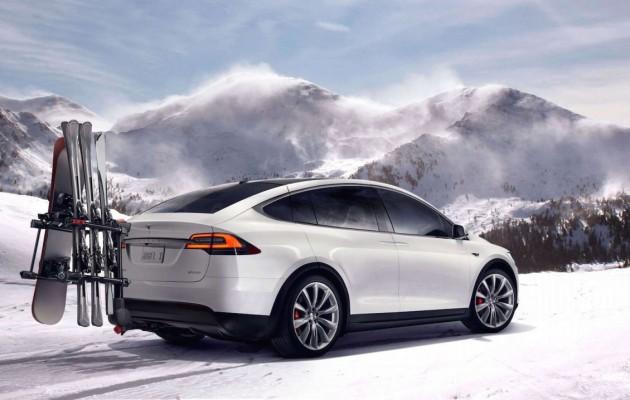 Tesla-Model-X-snow