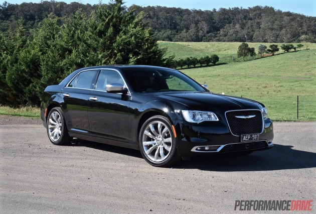 2015 Chrysler 300C Luxury-black