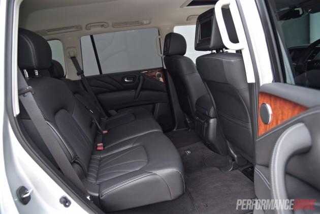 2015 Infiniti QX80-rear seats