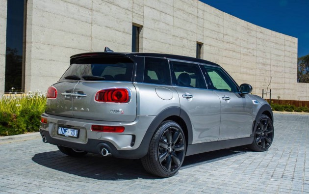 2015 MINI Clubman S-rear