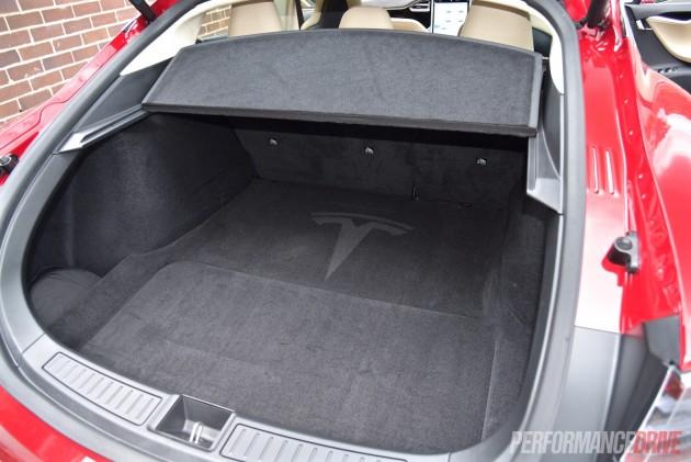 2015 Tesla Model S P90D-cargo space