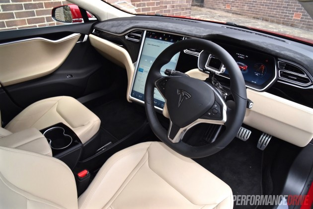 2015 Tesla Model S P90D-interior