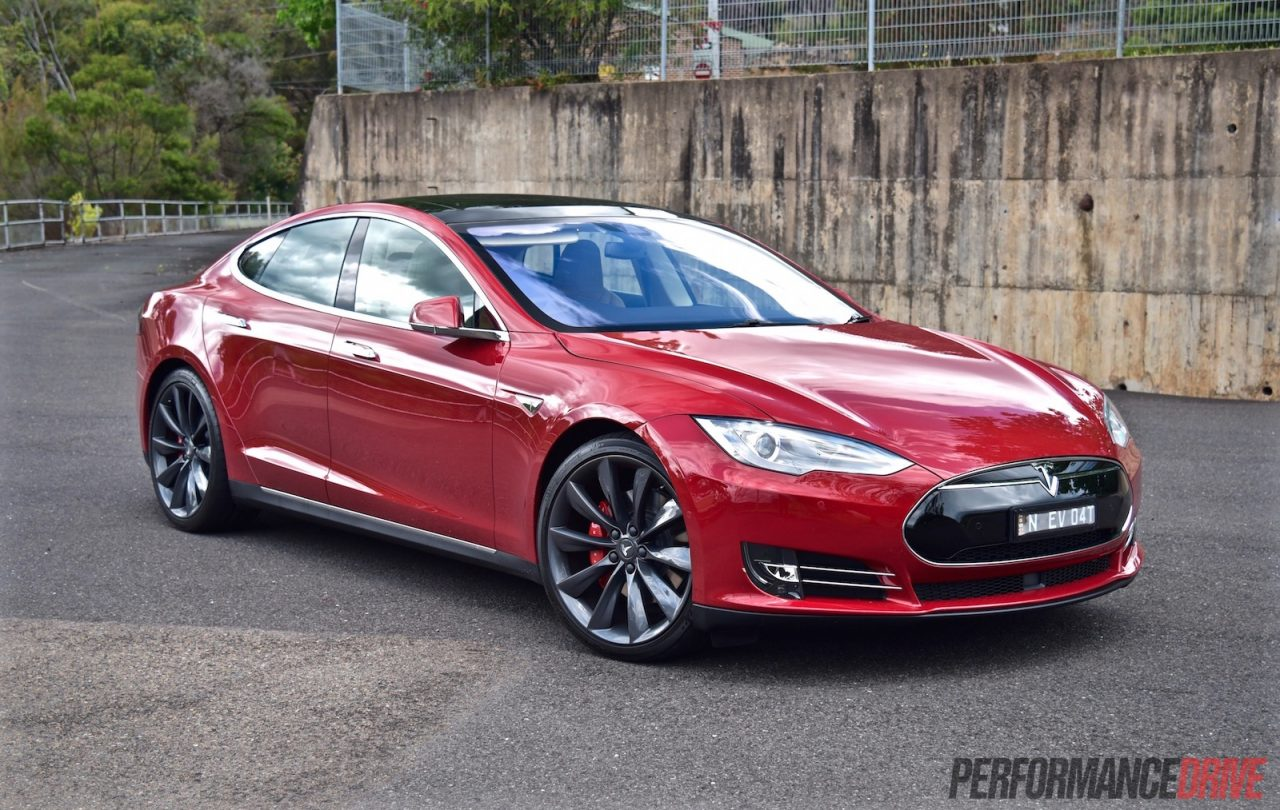 2015 tesla model s p90d review video performancedrive. Black Bedroom Furniture Sets. Home Design Ideas