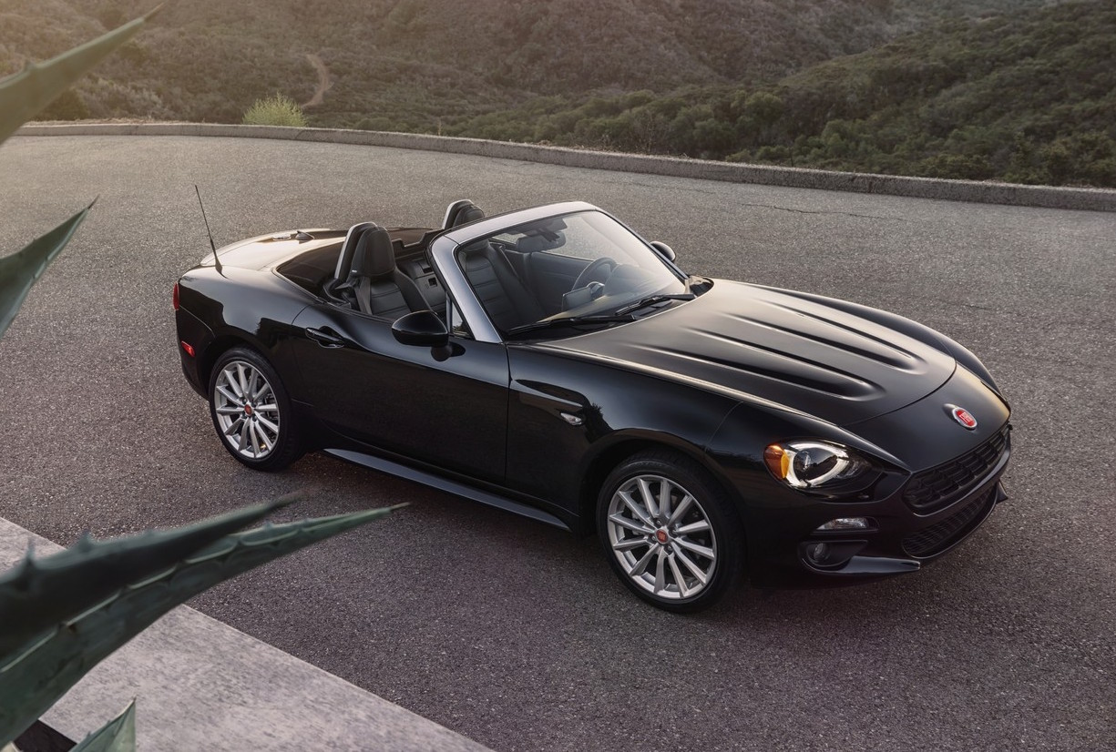 2016 fiat 124 spider revealed gets 1 4 turbo engine performancedrive. Black Bedroom Furniture Sets. Home Design Ideas