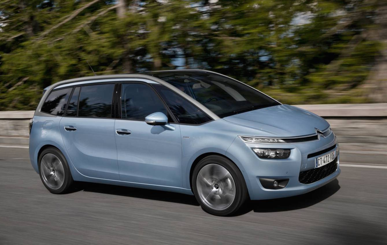 citroen throws in free tech pack for grand c4 picasso 5000 value performancedrive. Black Bedroom Furniture Sets. Home Design Ideas