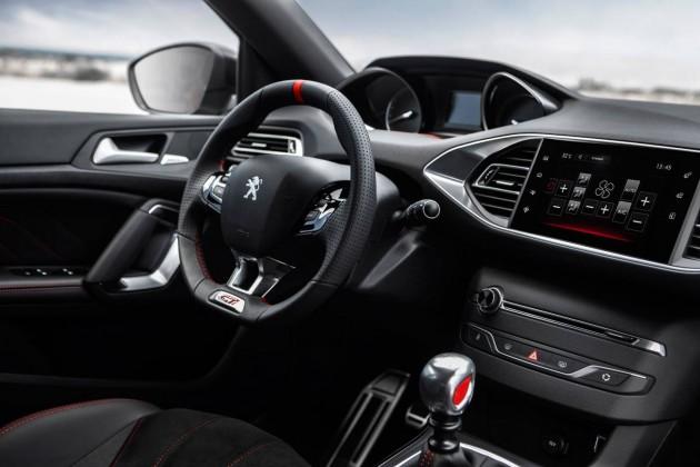 Peugeot 308 GTi-interior