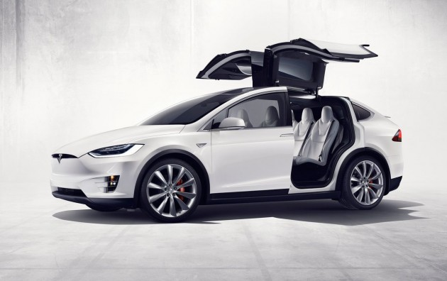 Tesla Model S Falcon doors