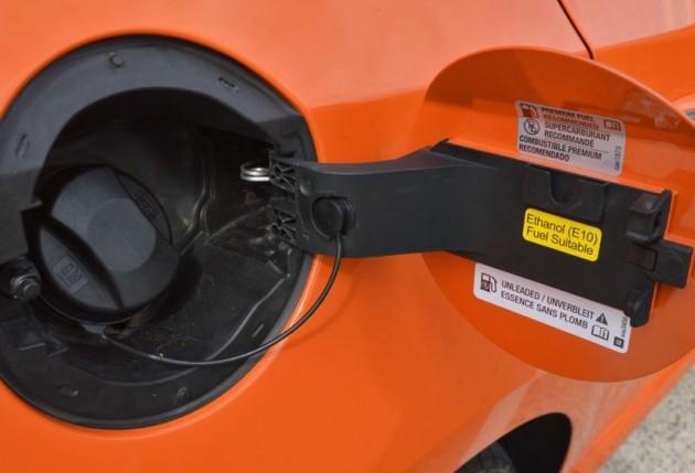 2014-Holden-Cruze-SRi-V-fuel-cap
