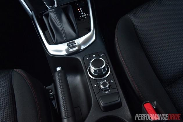 2015 Mazda2 Maxx sedan-sport button