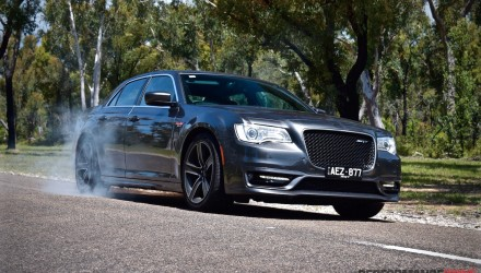 2016 Chrysler 300 SRT Core review (video)