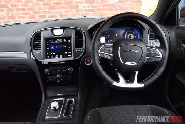 2016 Chrysler 300 SRT Core-dash