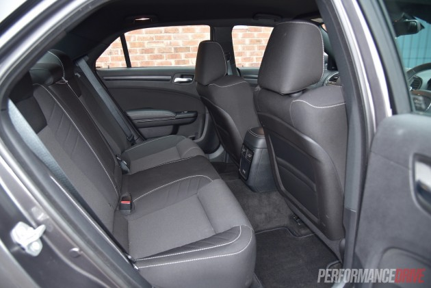 2016 Chrysler 300 SRT Core-rear seats