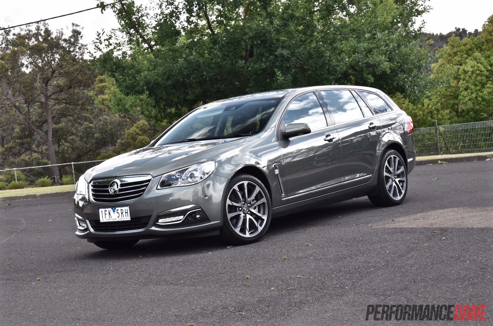 2016 Holden Calais V Sportwagon Vf Ii V8 Review Video