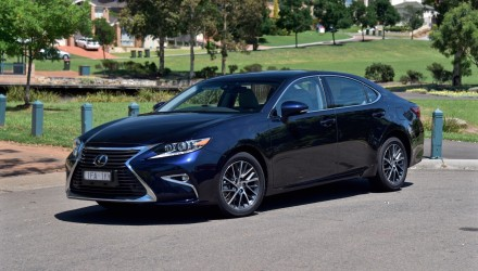2016 Lexus ES 350 Sports Luxury review (video)