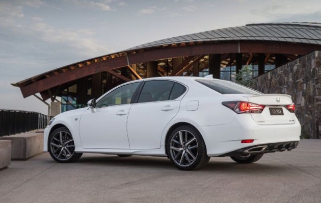 2016 Lexus GS 200t-rear