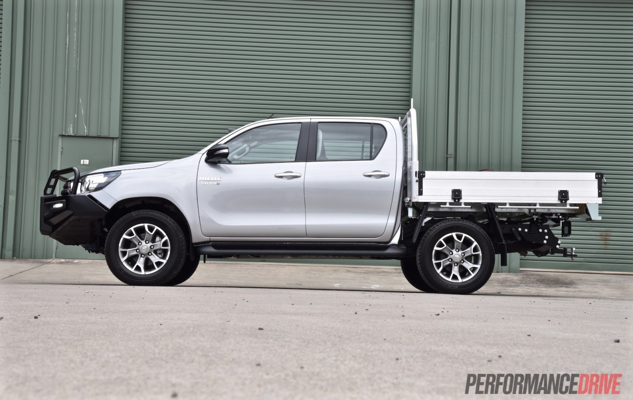 2016 toyota hilux sr 4x4 cab chassis review caradvice - 2016 Toyota Hilux Sr Double Cab Chassis