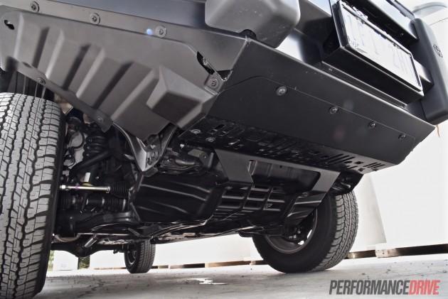 2016 Toyota HiLux SR-front suspension