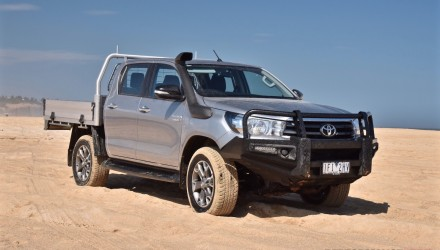 2016 Toyota HiLux 2.8 TD review (video)