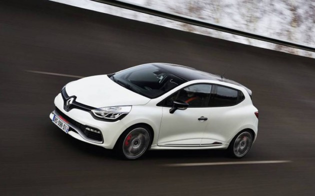 Renault Clio R.S. 220 Trophy-driving
