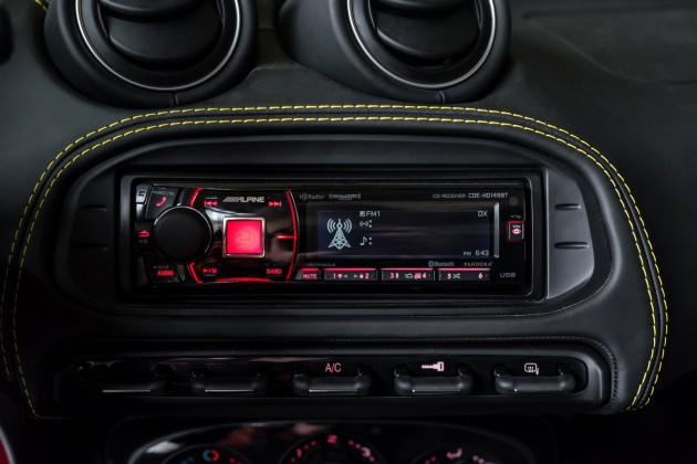 2016 Alfa Romeo 4C-Alpine audio