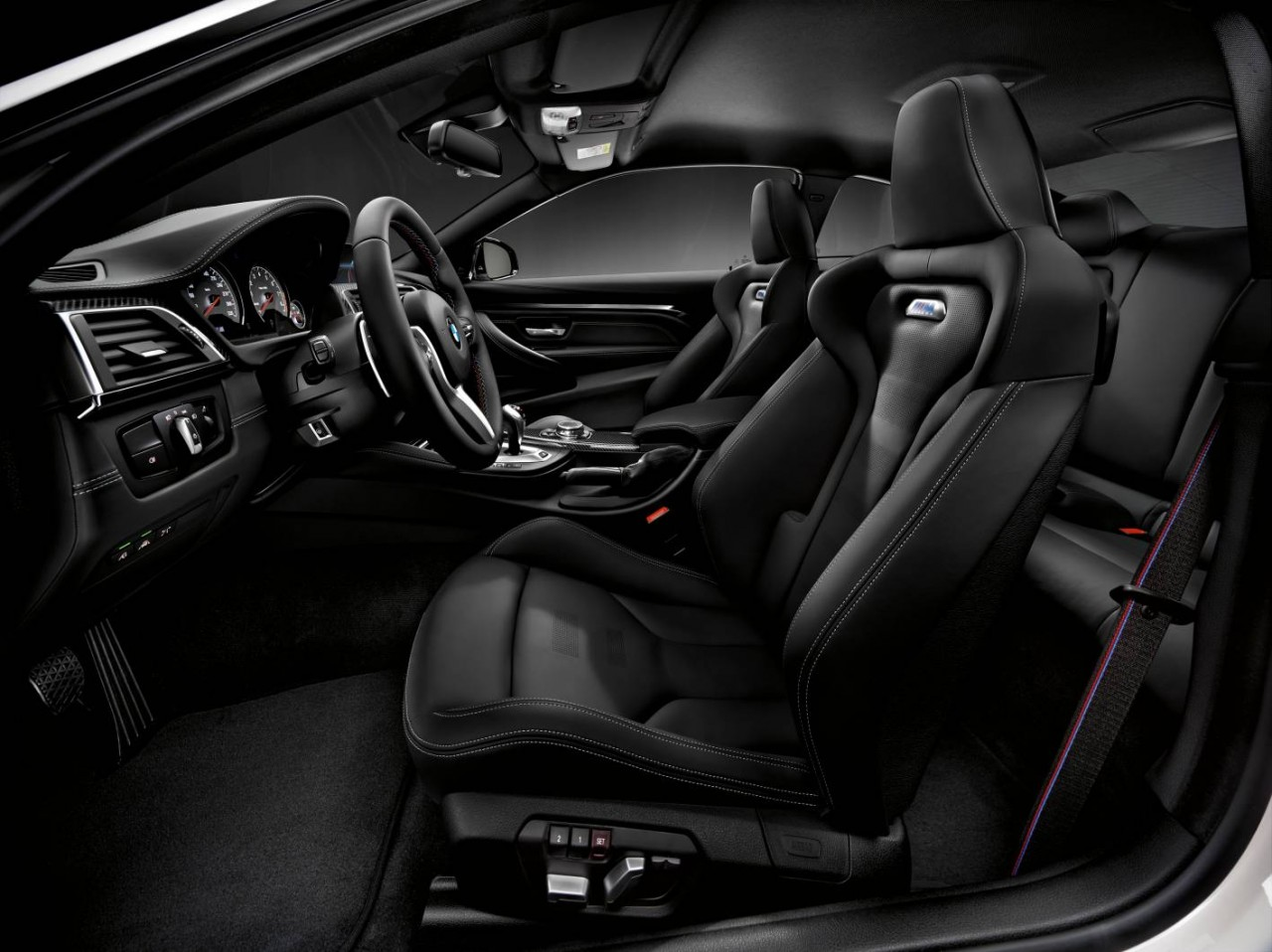 2016 BMW M4 Competition Package Interior