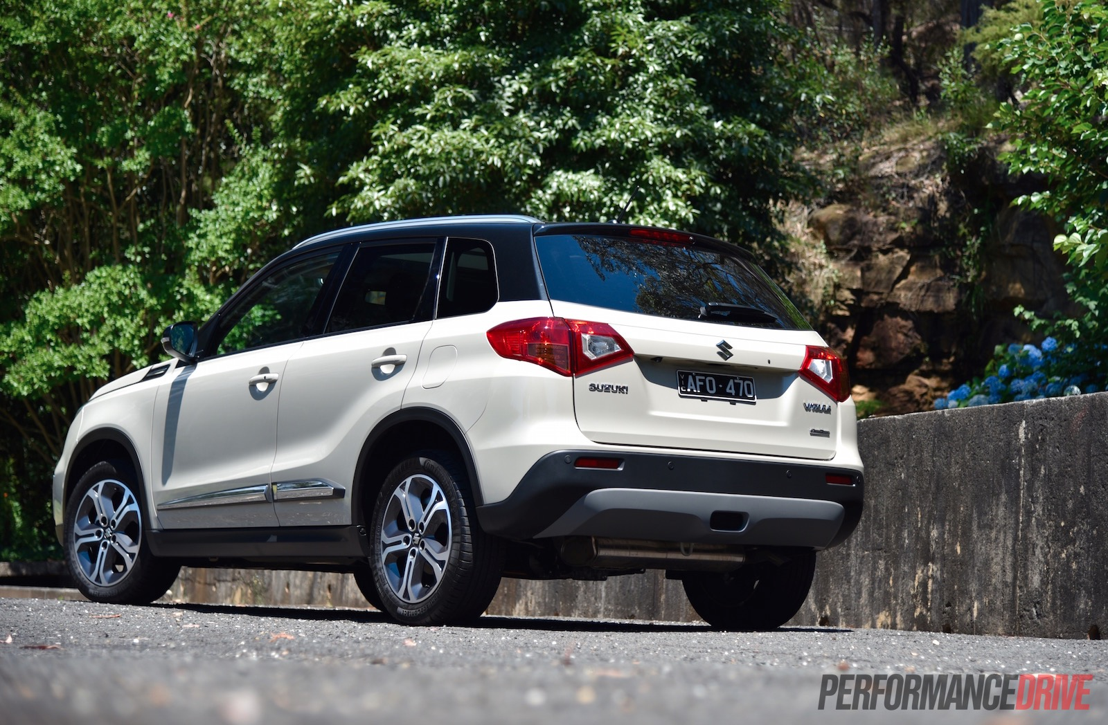 2016 Suzuki Vitara RT-X Review (video)