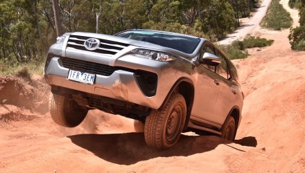 2016 Toyota Fortuner GX review (video)