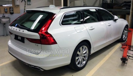 Undisguised 2016 Volvo V90 wagon spotted