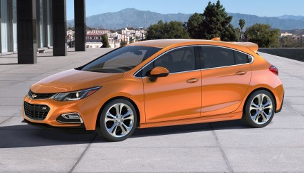 Sporty 2017 Chevrolet Cruze hatch revealed