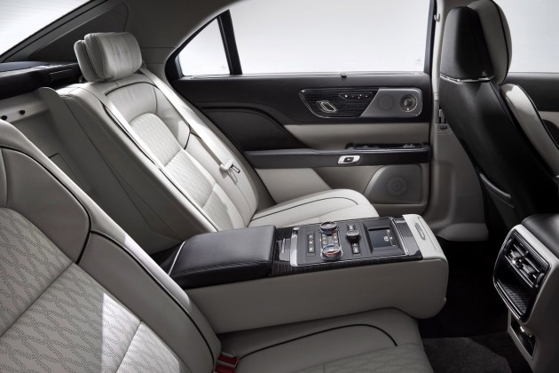 2017 Lincoln Continental-rear seats