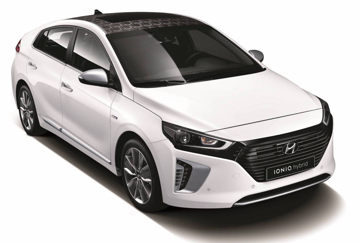 hyundai ioniq officially revealed all new dedicated hybrid ev performancedrive. Black Bedroom Furniture Sets. Home Design Ideas