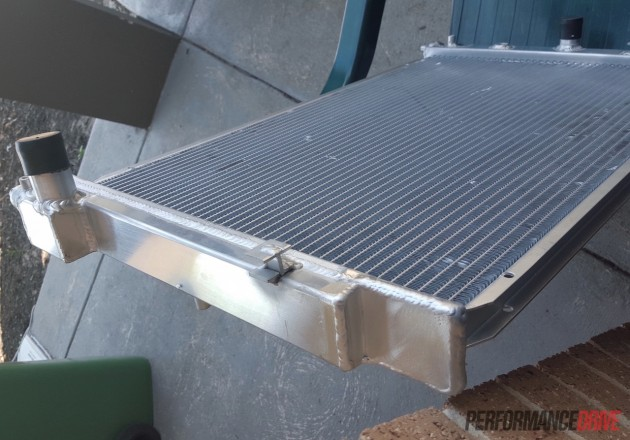 Volvo 240 GL-BA Falcon radiator modified