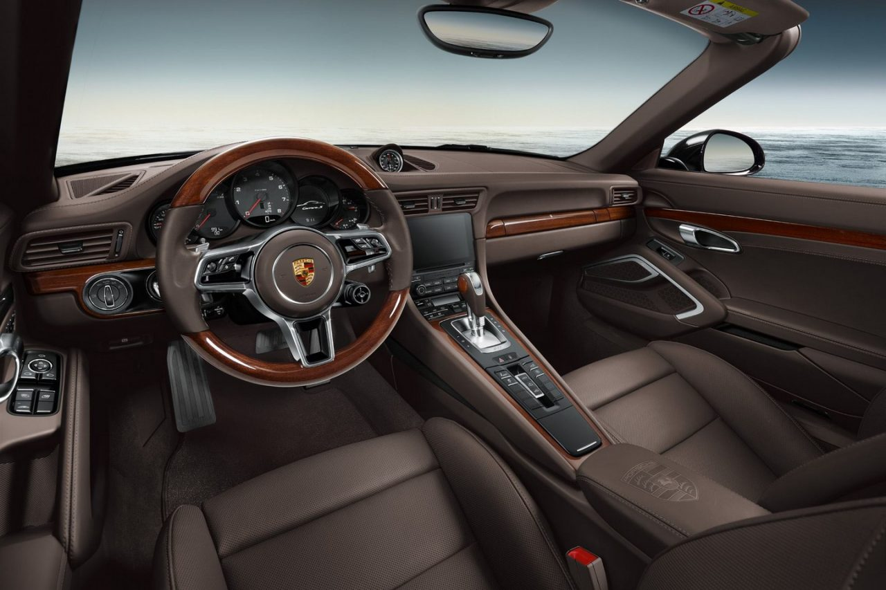 Porsche exclusive reveals new options with 911 carrera s for Porsche 911 interieur