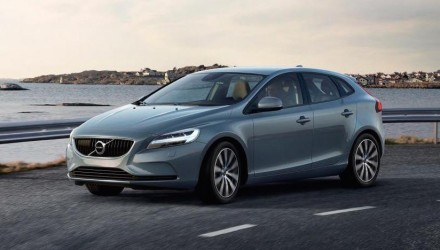 2017 Volvo V40 revealed, gets 'Thor Hammer' LED headlights