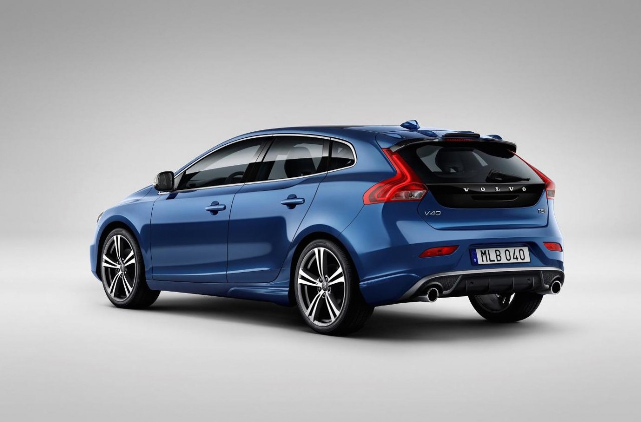 2017 volvo v40 revealed gets 39 thor hammer 39 led headlights performancedrive. Black Bedroom Furniture Sets. Home Design Ideas