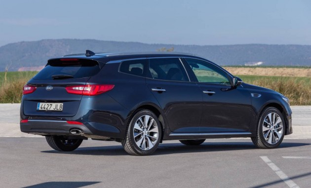Kia Optima Sportswagon-rear