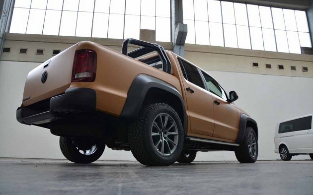 MTM Volkswagen Amarok V8 Desert Edition-rear