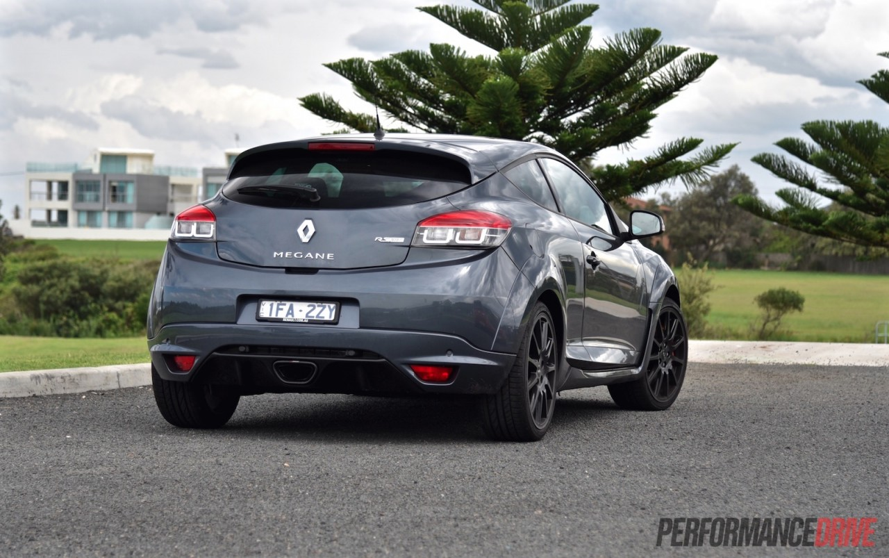renault megane r s 275 cup premium review video performancedrive. Black Bedroom Furniture Sets. Home Design Ideas
