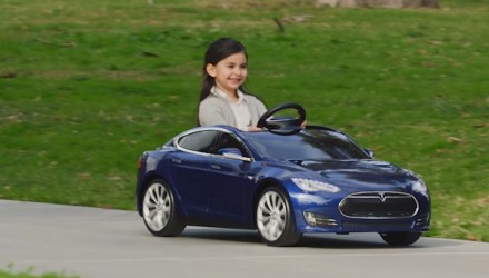 Toy-sla Model S for kids has electric motor, working headlights