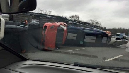 Truck crash in France spills out various supercars onto the highway