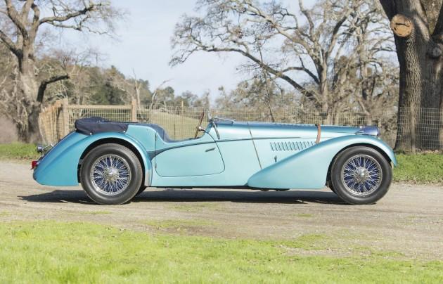 1937 Bugatti 57SC-side