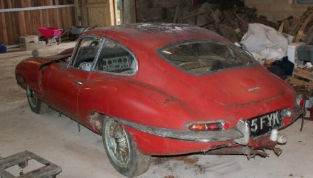 Original 1963 Jaguar E-Type found under a hedge, sold at auction