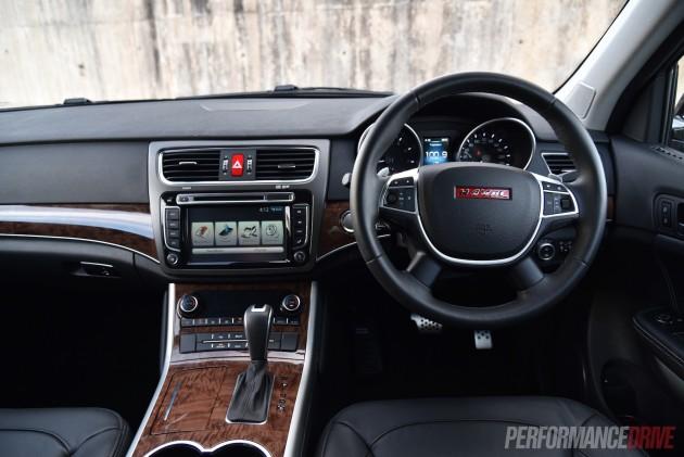 2016 Haval H8 Premium-dash